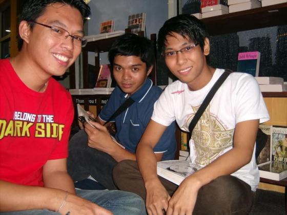 Stain, hamster, ax sa Power Books!!